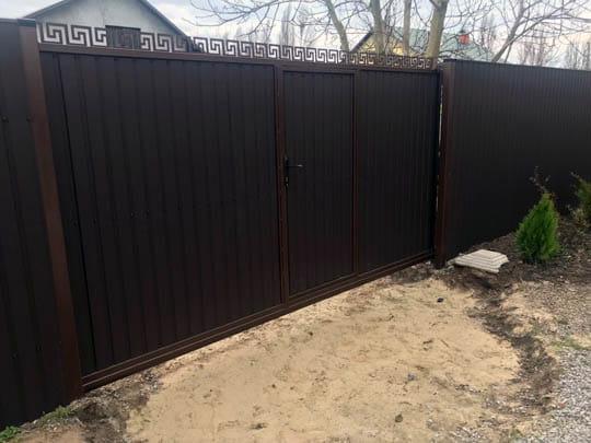 Ворота откатные из профлиста с калиткой